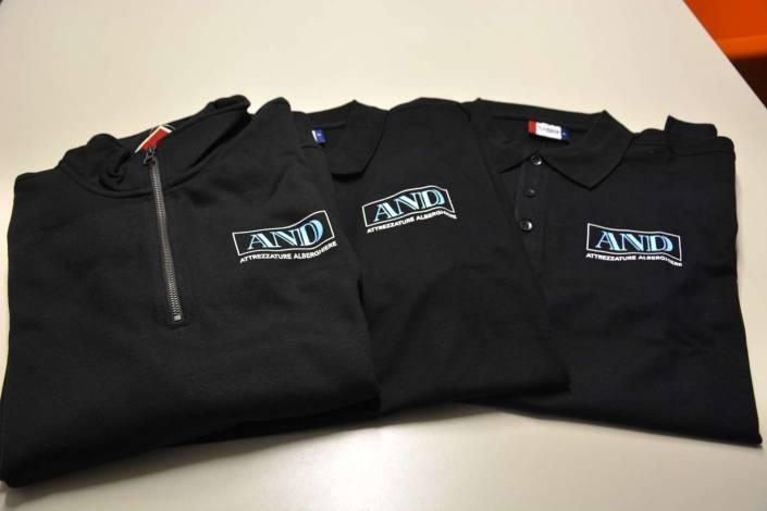 Personalizzazione magliette e abbigliamento aziendale Como e Lecco